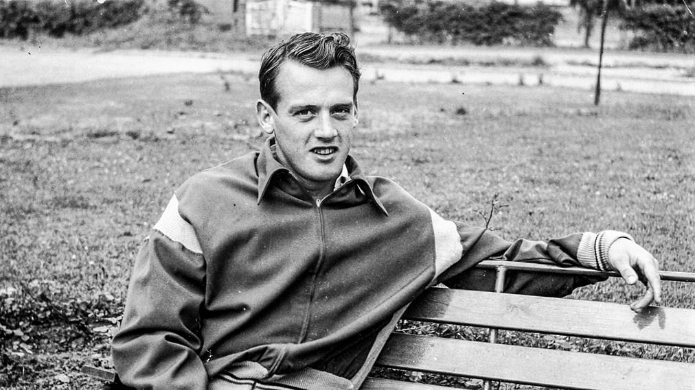 Gunnar Andersson på parkbänk (foto privat)